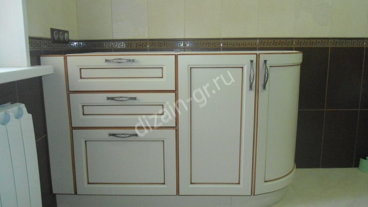 шкаф в ванную с радиусным углом