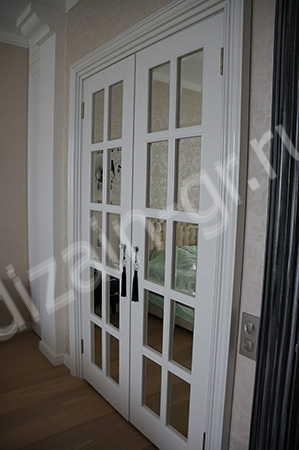 Двустворчатые глянцевые двери