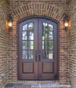 Распашные двери из массива дуба