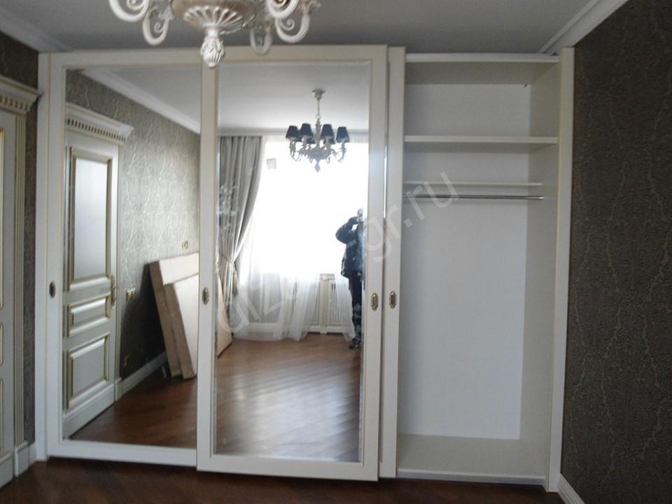 Шкаф с тремя раздвижными фасадами