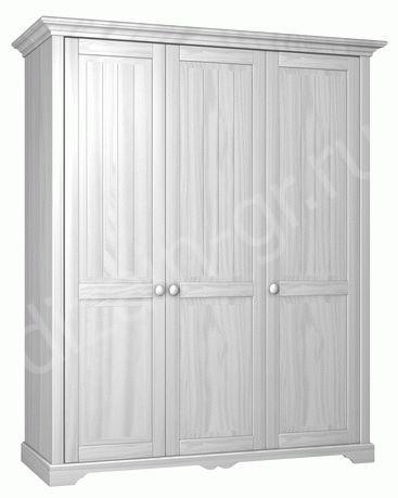Деревянный шкаф из массива с тремя «глухими» створками