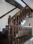 Классическая лестница из массива