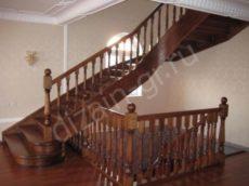 криволинейная деревянная лестница