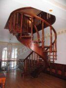 винтовая лестница на тетиве