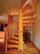 винтовая лестница из сруба