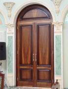 Арочная входная дверь