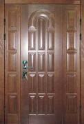 Входная деревянная дверь