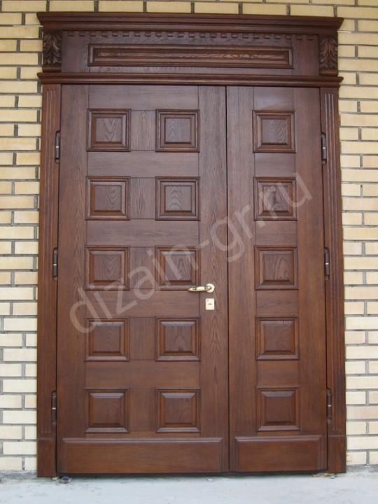 Входная дверь с металлическим каркасом